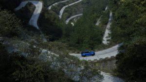 شکسته شدن رکورد فراری توسط رنجروور + فیلم carera.ir range rover sport svr 07