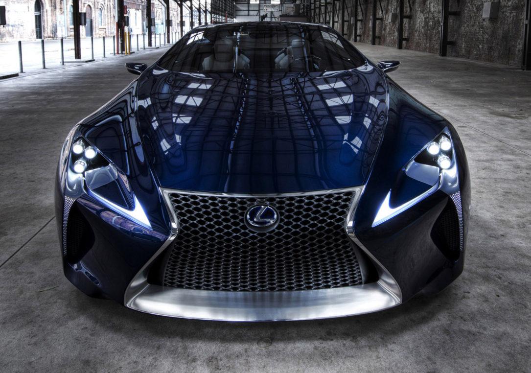 جلوپنجره در صنعت خودروسازی