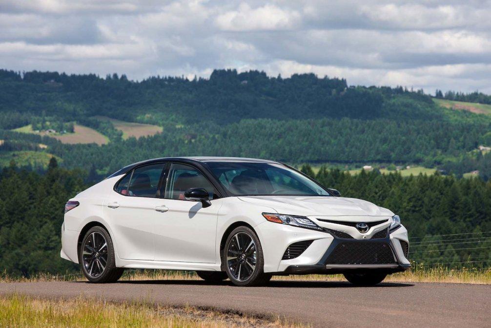 جدال سامورایی های 2018: هوندا آکورد در برابر تویوتا کمری carera.ir 2018 Toyota Camry XSE front three quarter 03 compressed
