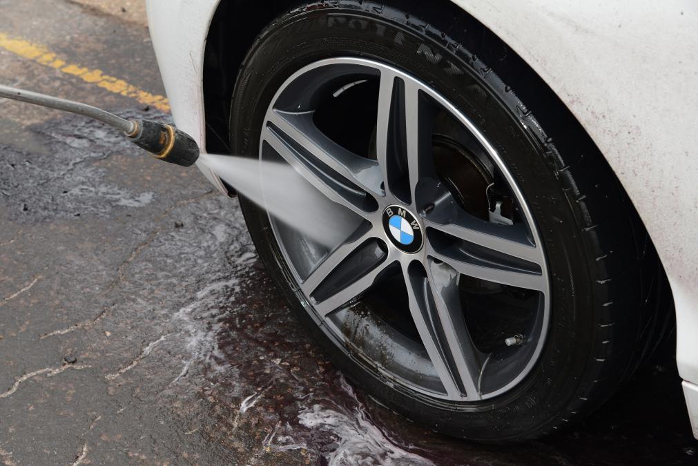 تمیز کردن خودرو
