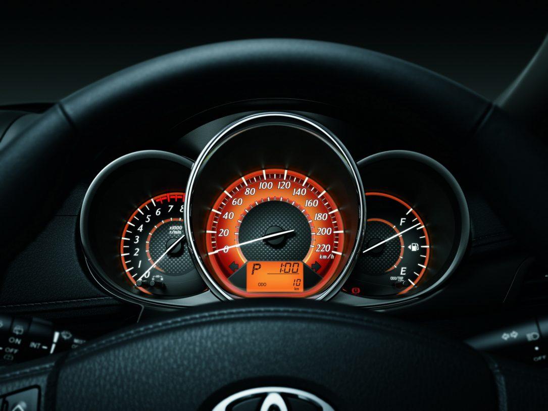 چرا نباید به عقربه سرعت سنج خودرو اعتماد کرد؟ YARIS 6