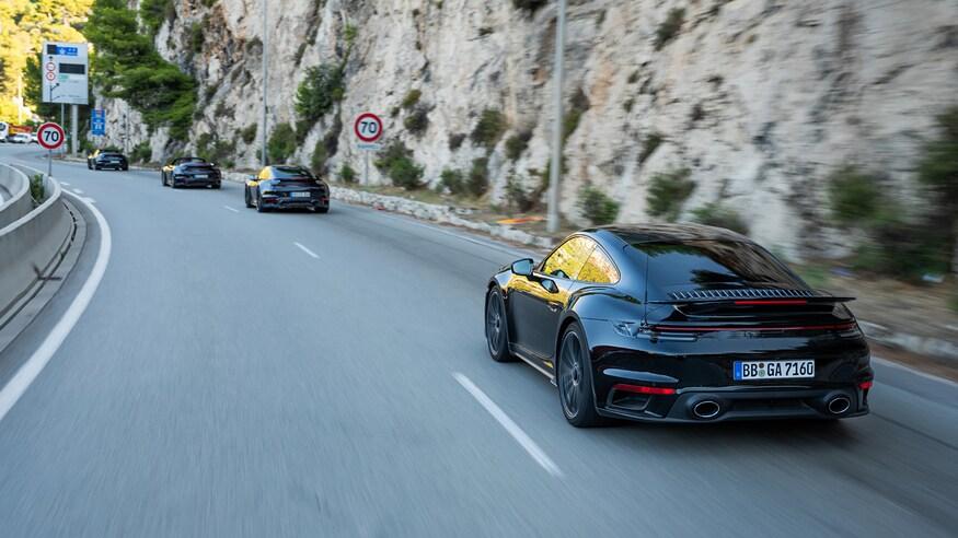 10 خودروی خارقالعاده که ما را به آینده امیدوار میکند 11 2020 Porsche 911 Turbo S 7618