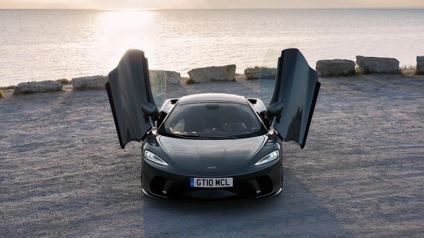 10 خودروی خارقالعاده که ما را به آینده امیدوار میکند 2020 McLaren GT 88