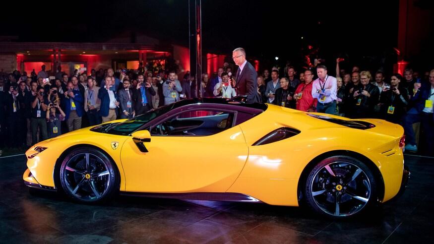 10 خودروی خارقالعاده که ما را به آینده امیدوار میکند SF90 Stradale Unveiling Party at Casa Ferrari